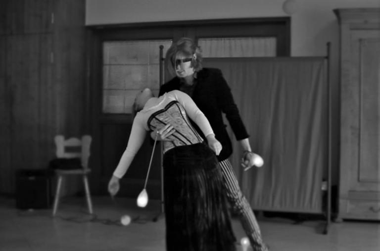 Das Feuershow Duo Nadine & Jan zeigen individuellen Tanz & Schauspiel für Geburtstag oder Hochzeit